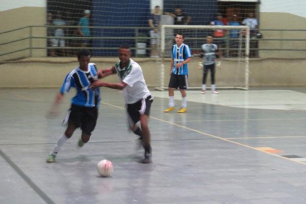 Prefeitura, através da Secretaria de Esportes, promove torneio de futsal em Indiana